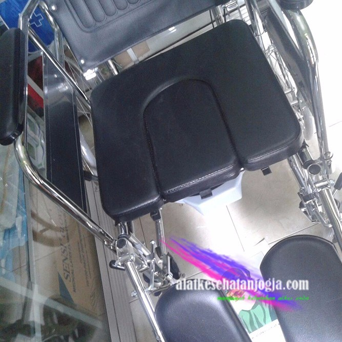 Kursi roda 3 in 1 commode wheelchair (reclining)